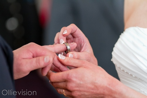wedding photographers Leeds, wedding photography Leeds, register office Leeds town hall, brodrick suite photos