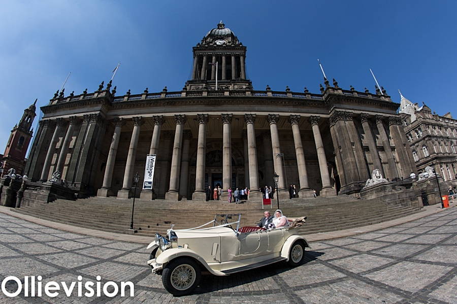 Leeds town hall wedding photography, wedding photographers Leeds, Leeds wedding photographer, town hall photos, albert suite