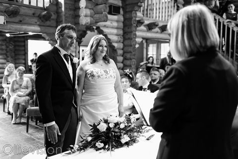 otley wedding photographers, wedding photograhers chevin lodge hotel otley, chevin country park hotel photographers