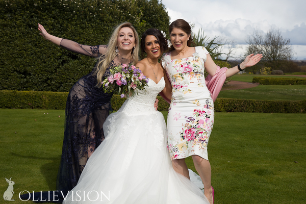 advice for finding a wedding photographer, wedding photography problems, is my photographer any good?