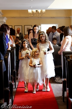 get married at Woodlands hotel, wedding photography Woodlands Hotel Leeds, Morley wedding photographers
