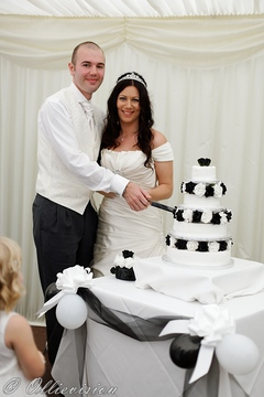 modern reportage wedding photographers in leeds, weddings with style Leeds, marquee weddings Leeds, photographers in leeds